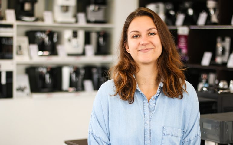 sales-manager-laura